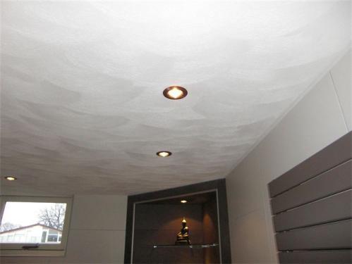 Schuurplafond in de badkamer
